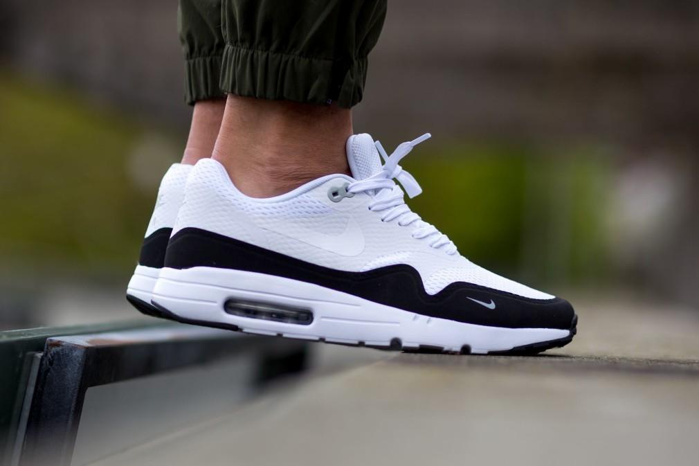 nike air max 1 homme noir Abordable,819476 101 Nike Air Max 1 Ultra Essential Noir Blanc en ligne.