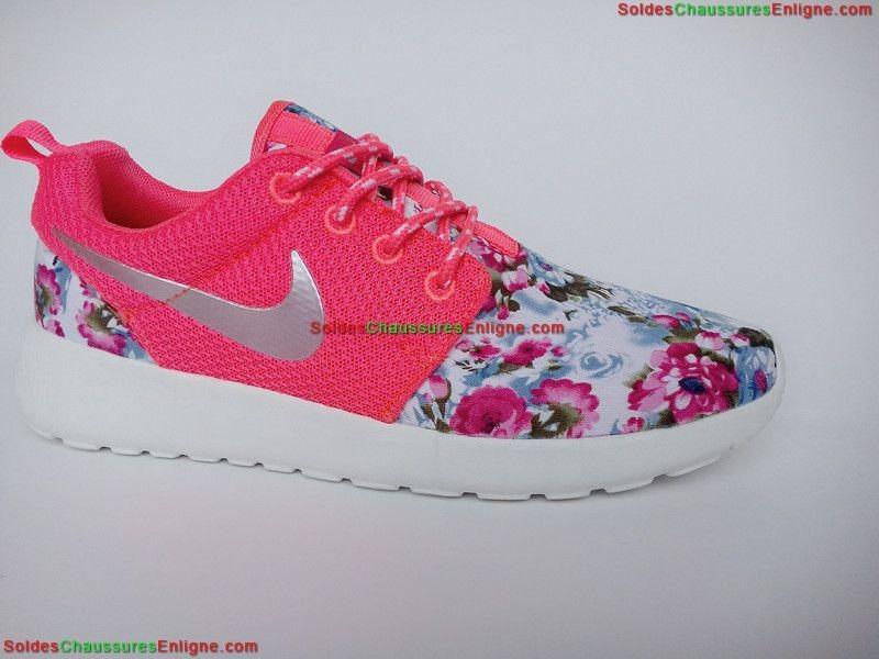 run Abordable Run nike Roshe femme Chaussure roshe rose Femme Nike 4WnqgfA7